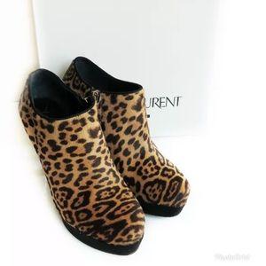 Yves Saint Laurent Leopard Gisele 80 Bootie